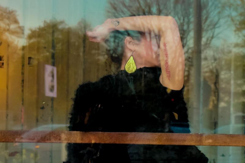 Suspensio-Regina-Portrait