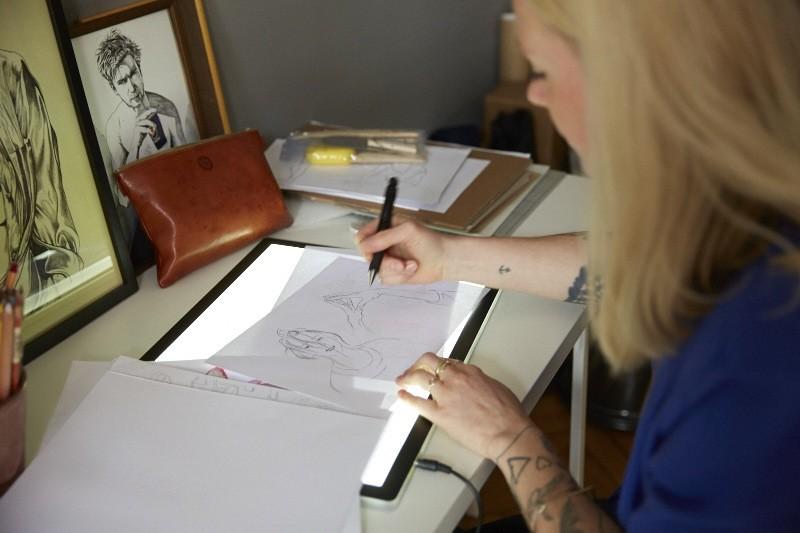 ini-neumann-illustratorin-zeichnen