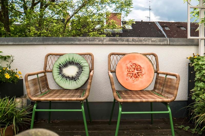 Femtastics-Alexandra-Springer-Tres-Click-Balkon-Stuehle