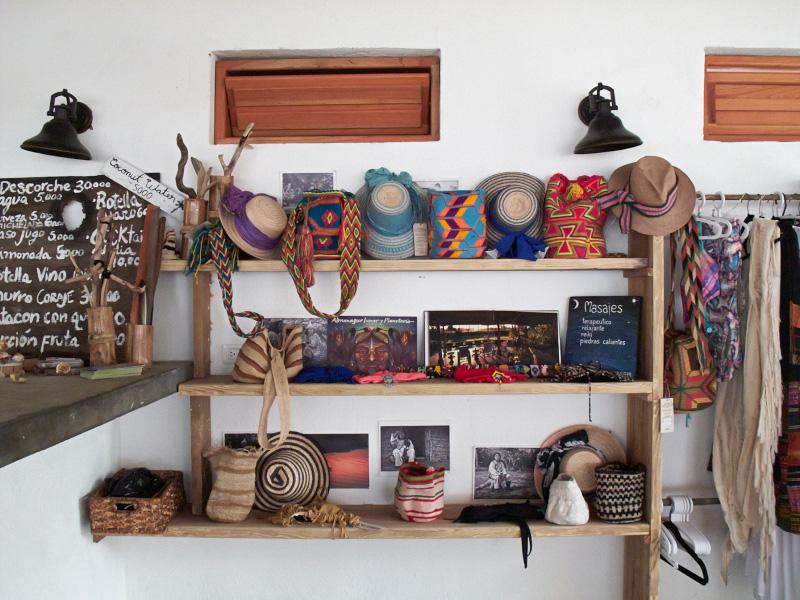 femtastics-natybotero-casacoraje-Shop
