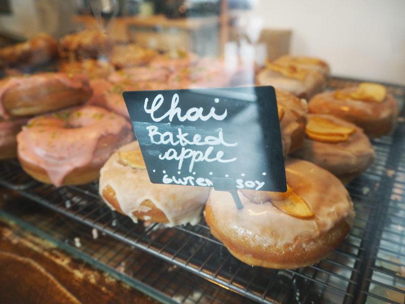 Femtastics-Brammibals-vegane-Donuts-chai