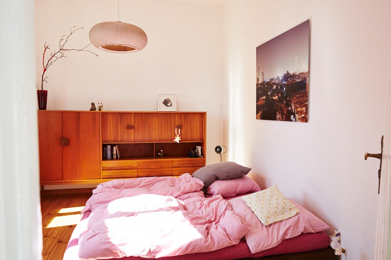 Femtastics-Judith-Springer-Fine-Deodorants-Schlafzimmer