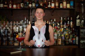 Constanze Lay entführt Hamburg ins Rabbithole