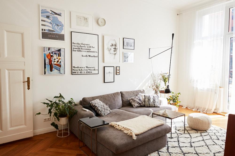 Femtastics-Masha-Sedgwick-Wohnung-Wohnzimmer