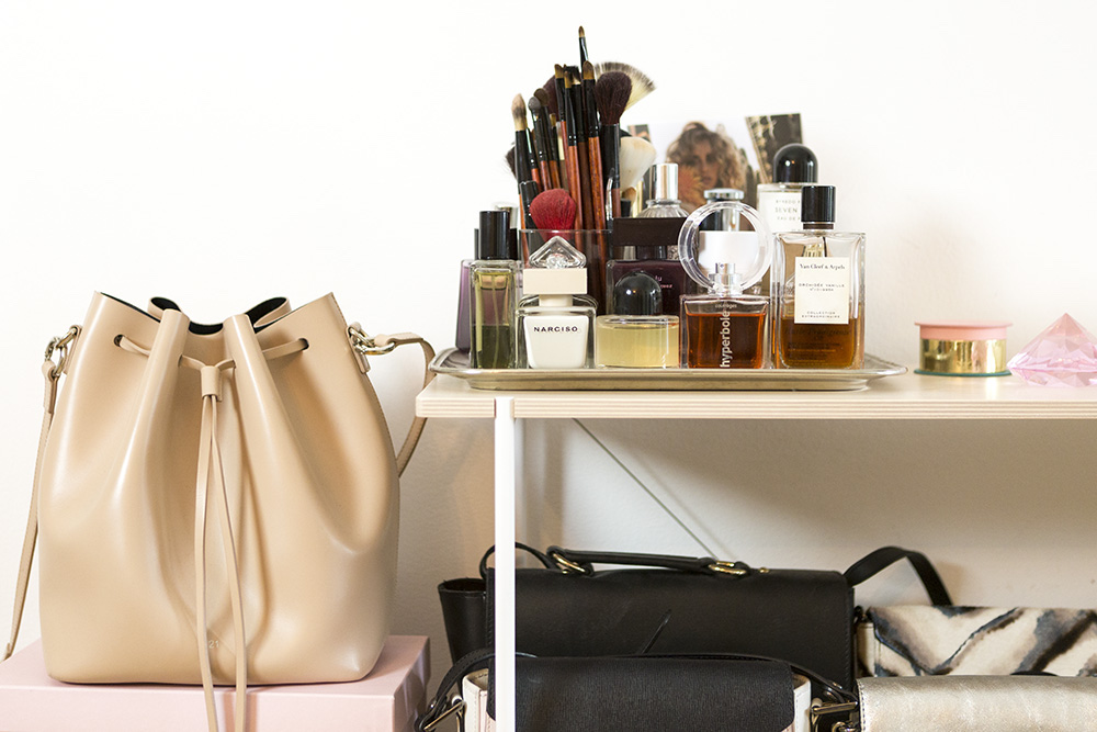 Amazed-Mag-Bucket-Bag
