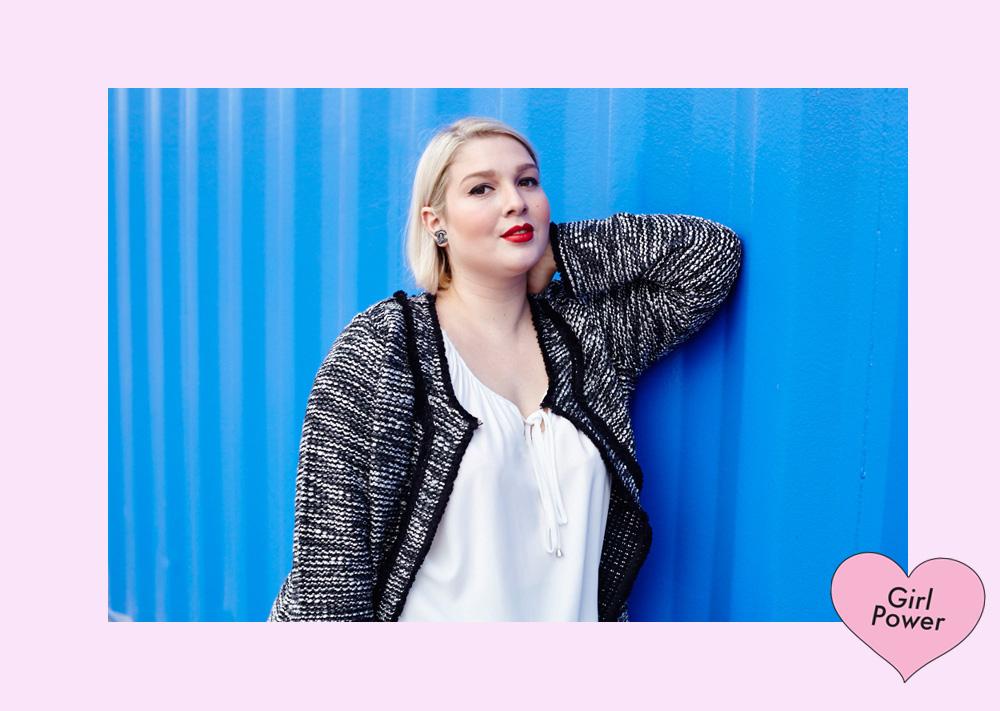 Die klassisch-elegante Bluse von C&A mit kleiner Schluppe fällt schön locker und passt für den Everyday Look!