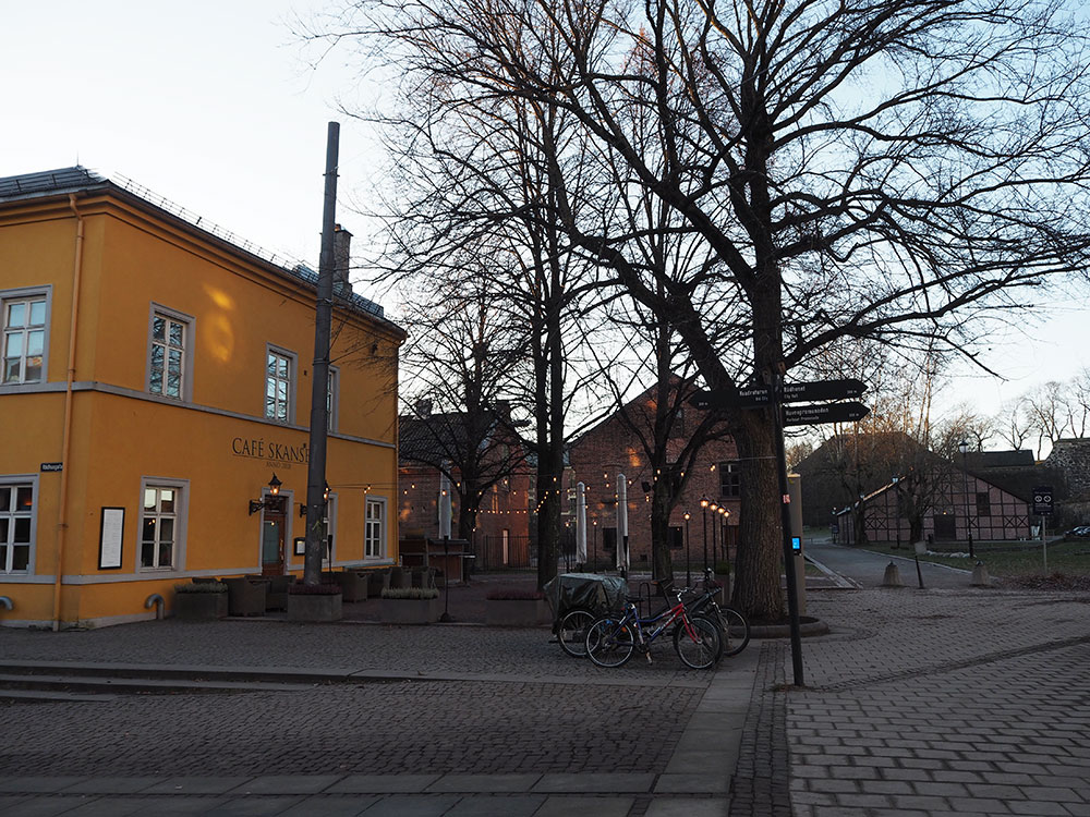 femtastics-Oslo-Castle