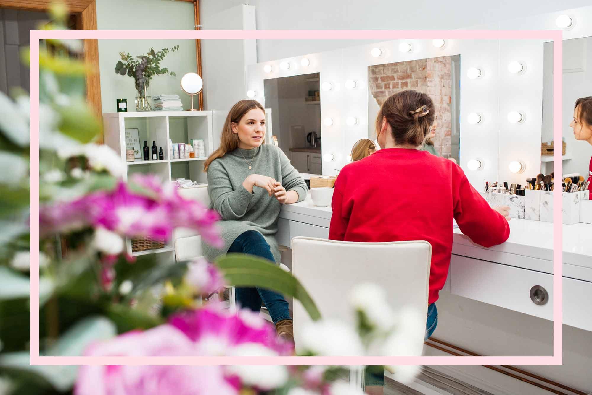 Wir haben Lisa Scharff in ihrem Organic Studio in Hamburg-Winterhude besucht. Dort verkauft sie Naturkosmetik und gibt Coachings.
