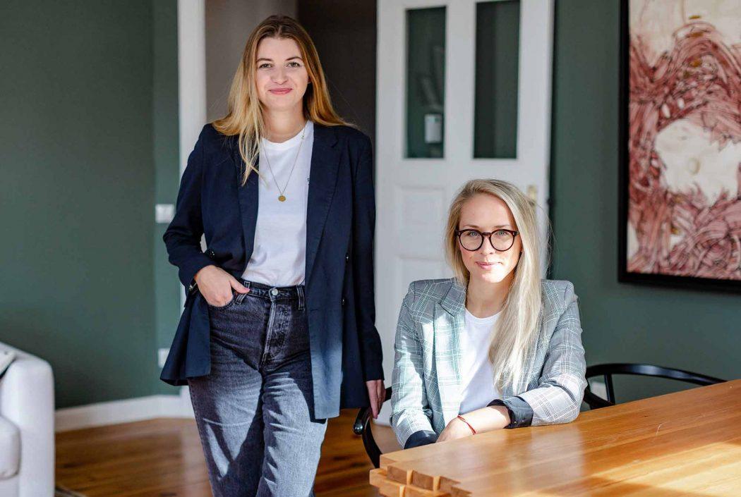 Vor fünf Jahren haben Nora-Vanessa und Susann das Karrierenetzwerk Edition F gegründet. Dadurch ist das freundschaltliche Verhältnis jetzt schon fast zum Familienersatz geworden. Credit: Carolina Moscato