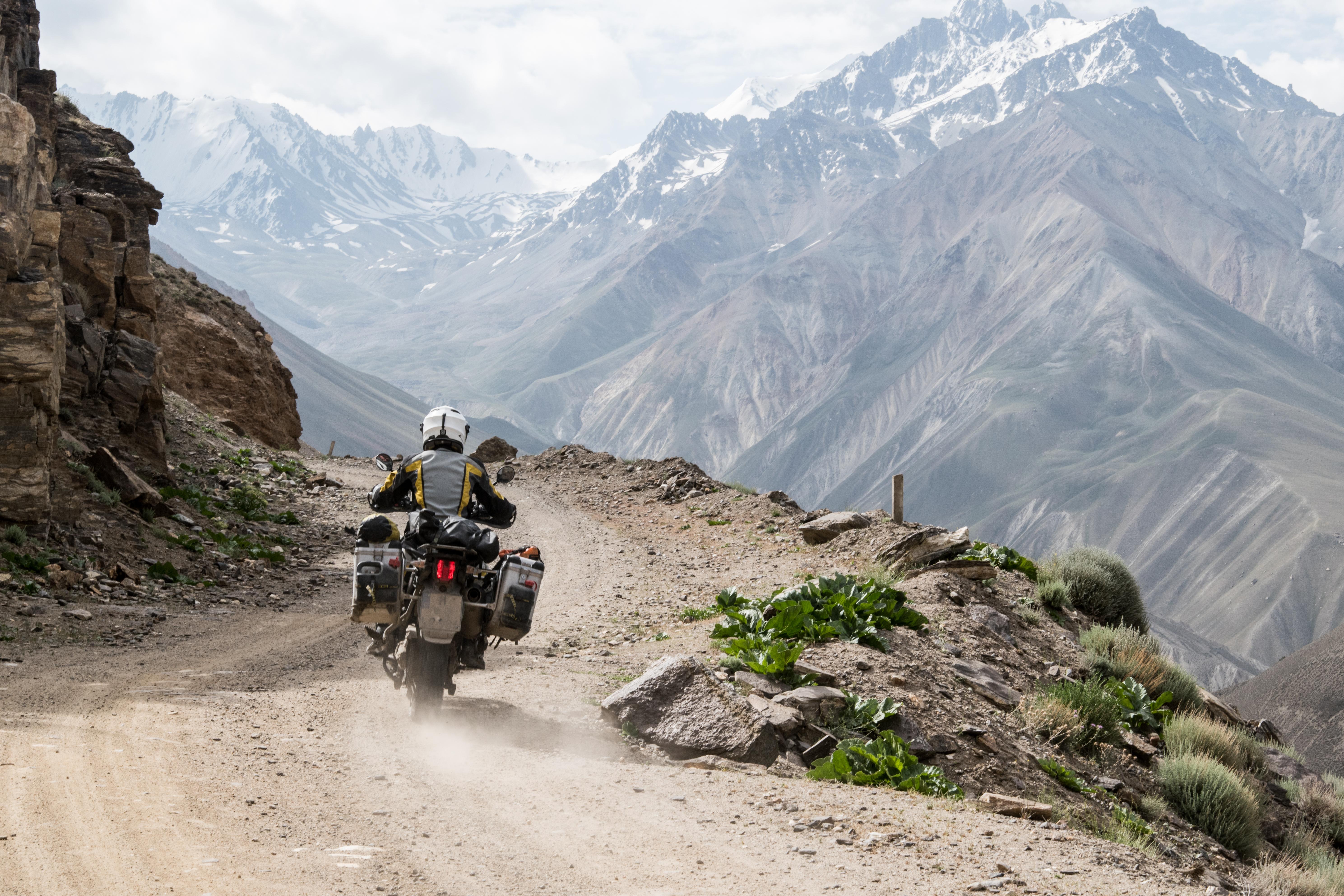 Lea-Rieck-Tajikistan-Motorrad