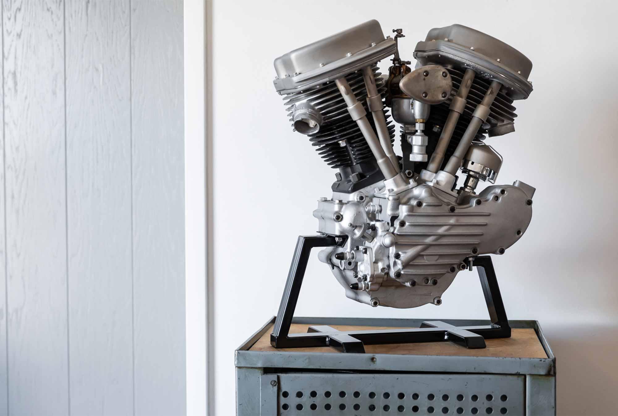 homtastics-Ehinger-Kraftrad-Motor-antik
