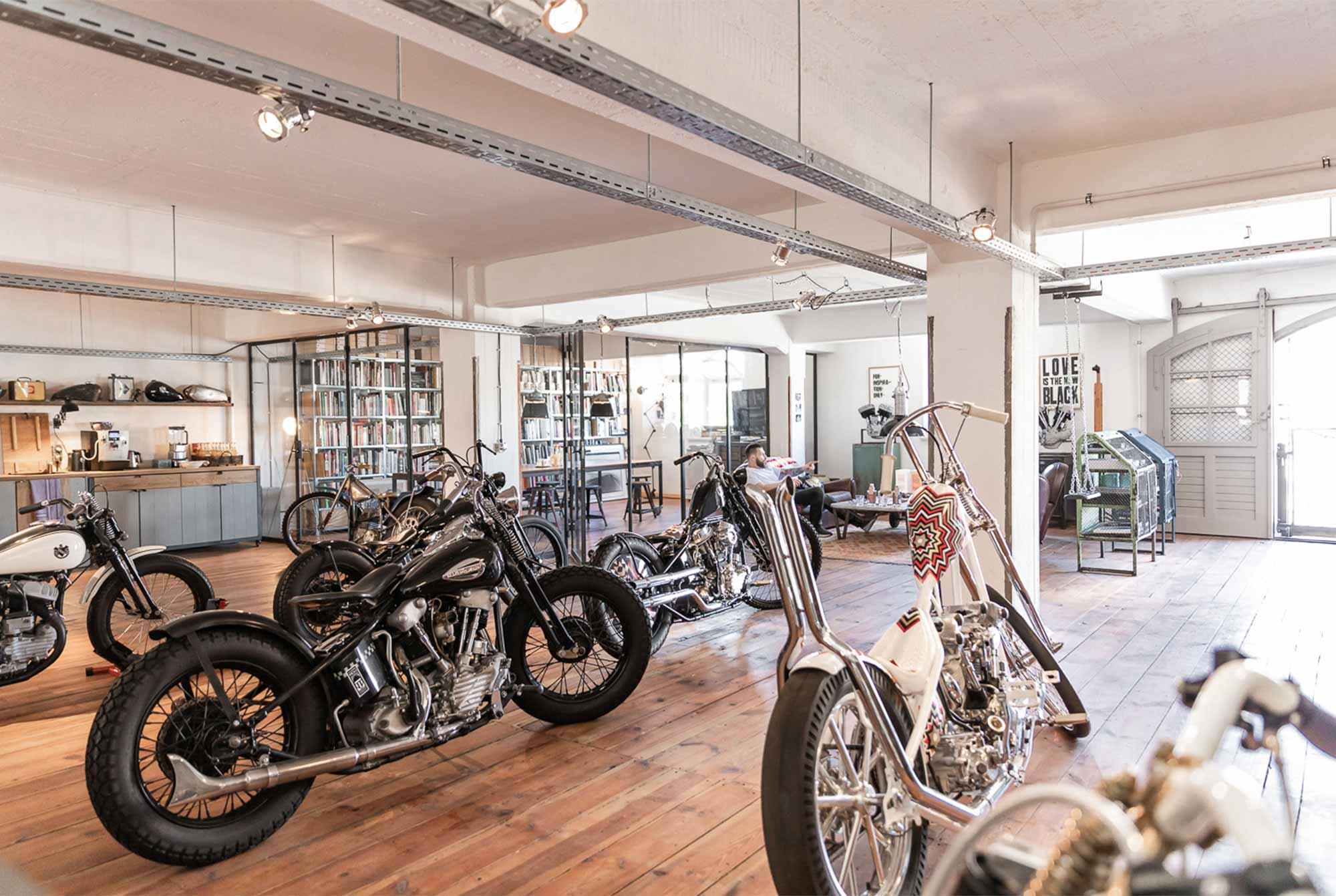 homtastics-Ehinger-Kraftrad-Showroom-Bikes
