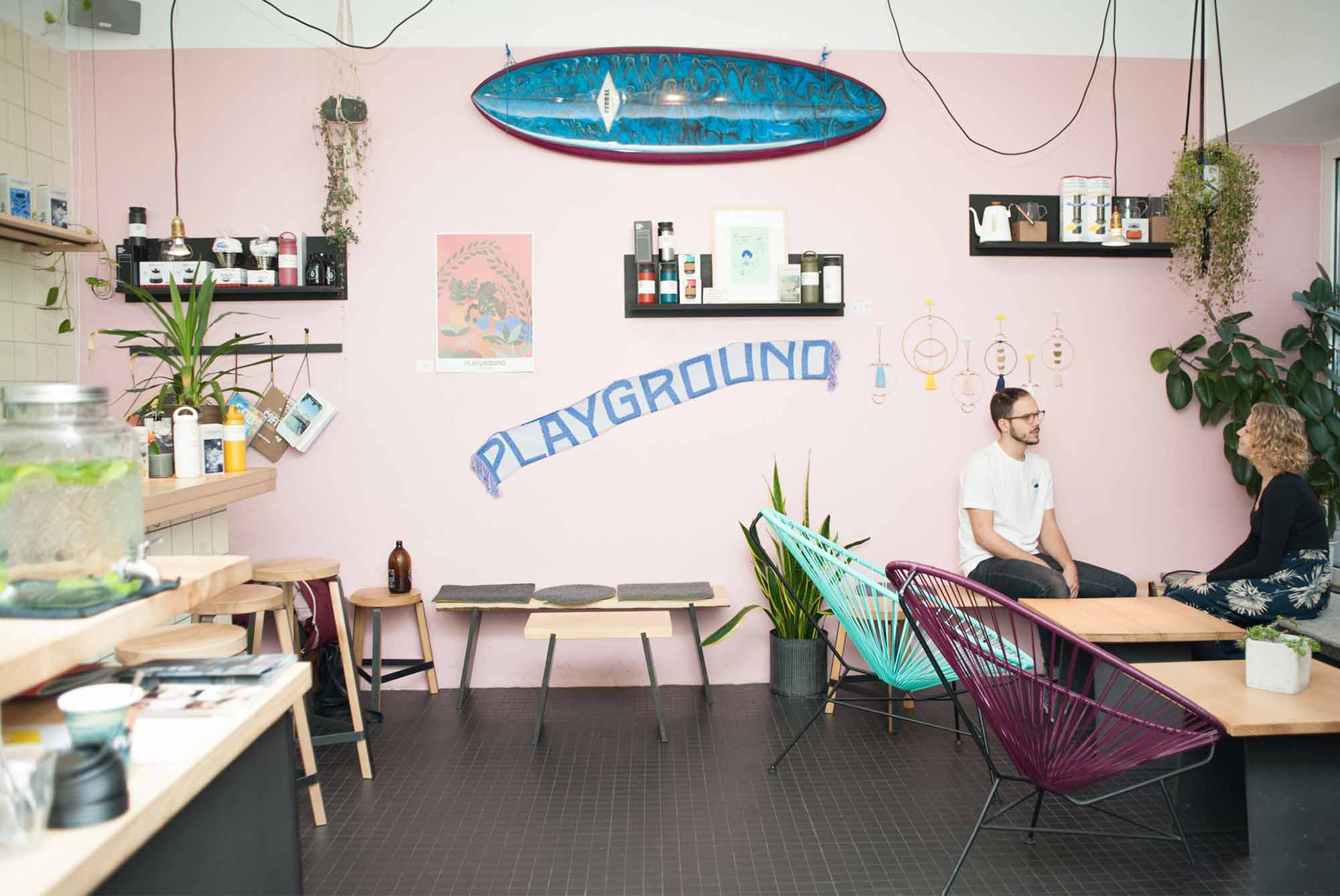 homtastics-Autorin Anissa hat Veljko zum Interview in seinem Café auf Hamburg-St.Pauli getroffen.